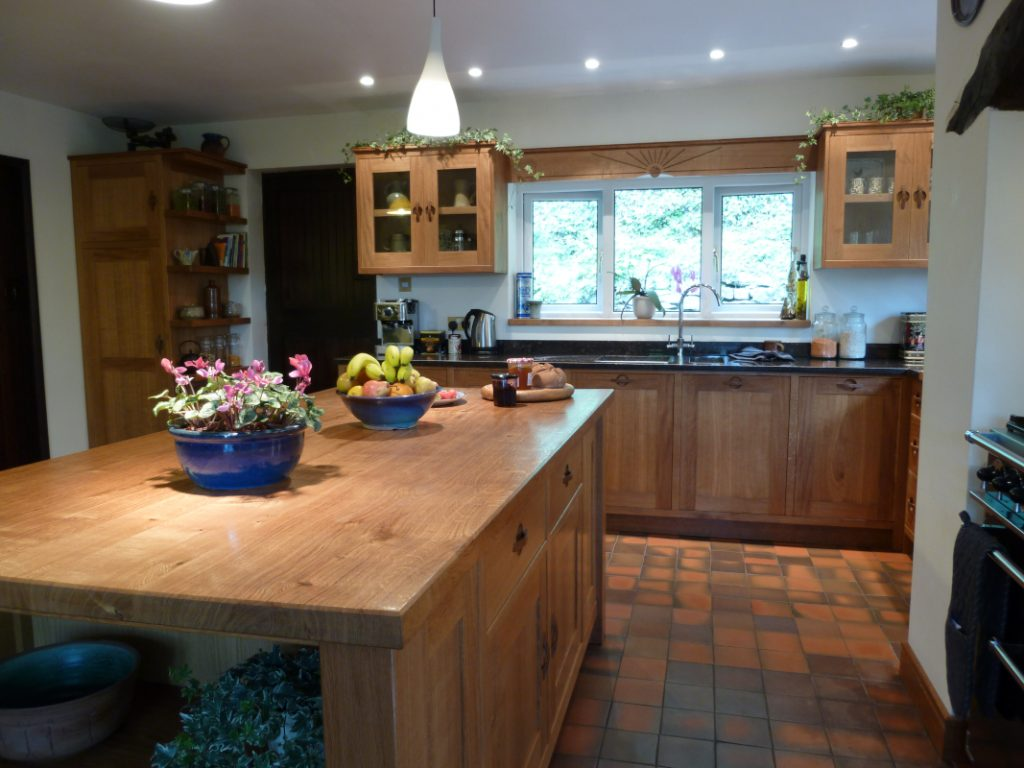 character tiger oak worktop